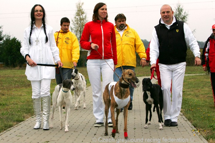 Greyhound_Schooling_Academy_Czech_Greyhound_Racing_Federation_NQ1M8715.JPG